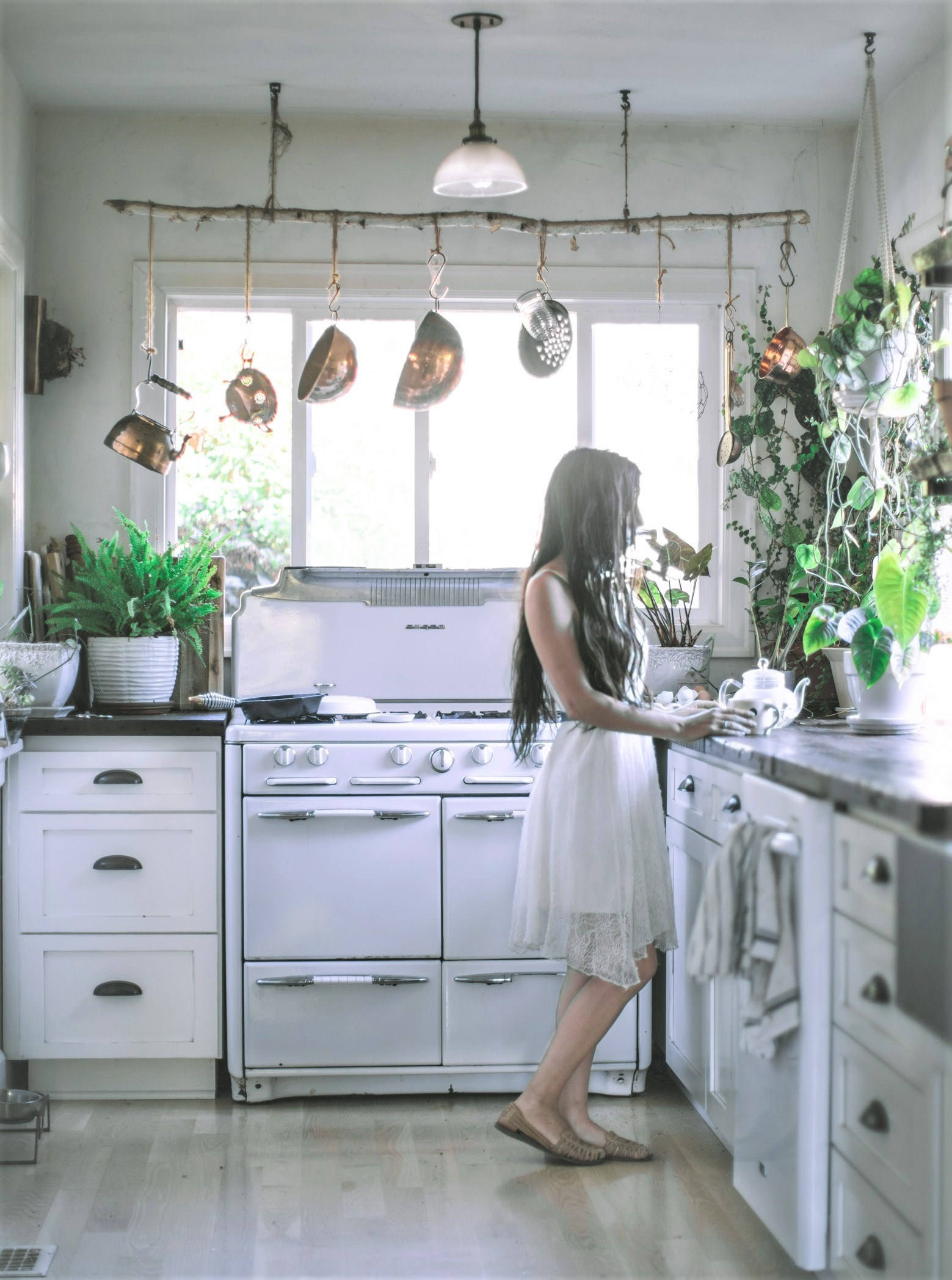 zERO WASTE KITCHEN RENOVATIONS CONSIDER THE Eewnvironment and are a very affordable way to add value to your property.