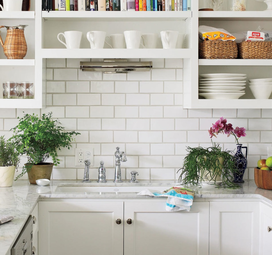 Our Top 5 On How To De-Clutter Your Kitchen